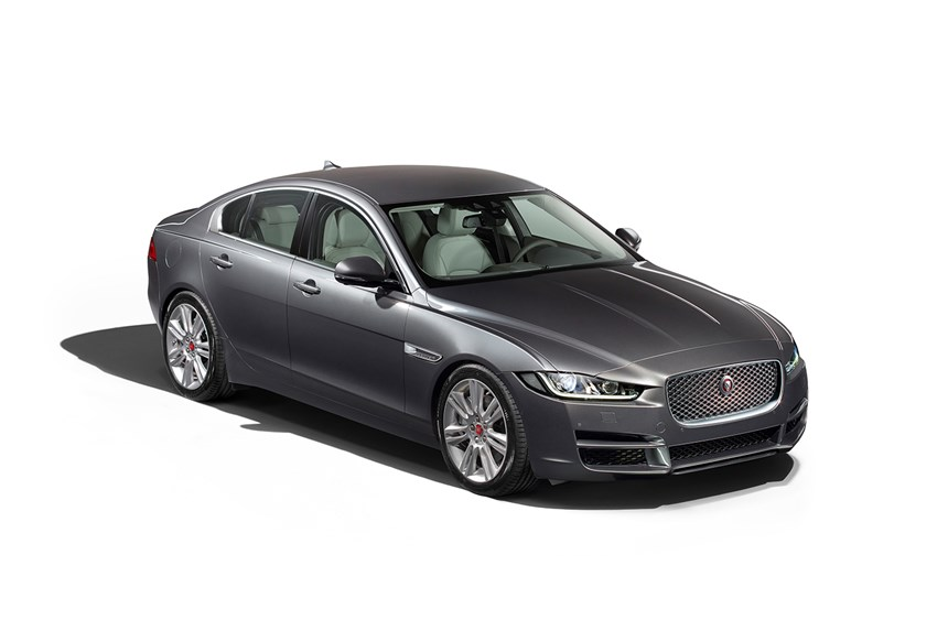 2017 jaguar xe 25t portfolio 2 0l 4cyl petrol. Black Bedroom Furniture Sets. Home Design Ideas