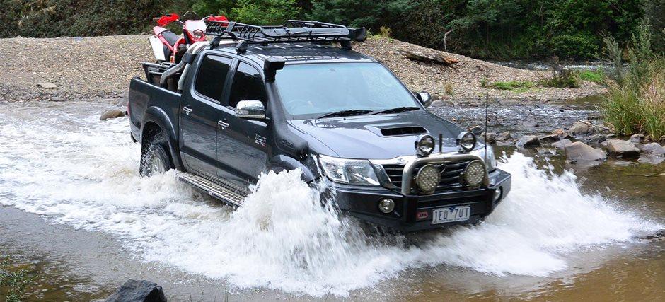 2016 Toyota HiLux SR5 V6 review