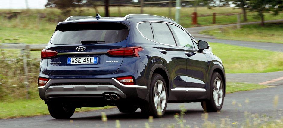 2018 Hyundai Santa Fe pricing and features