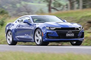 2019 Chevrolet Camaro SS manual performance review