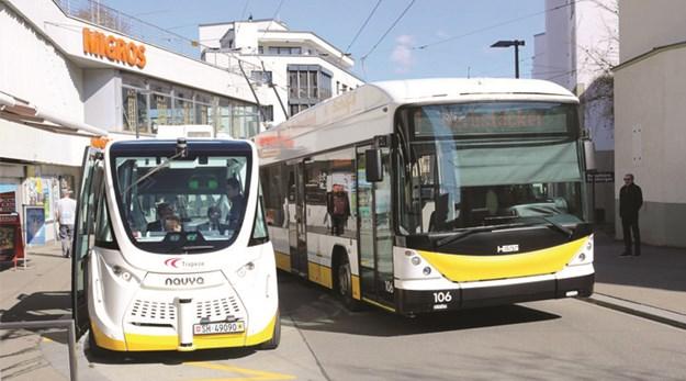 Trapizio_Schaffhausen_autonomous_bus.jpg