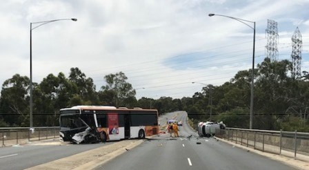 Templestowe - Bus vs car.jpg