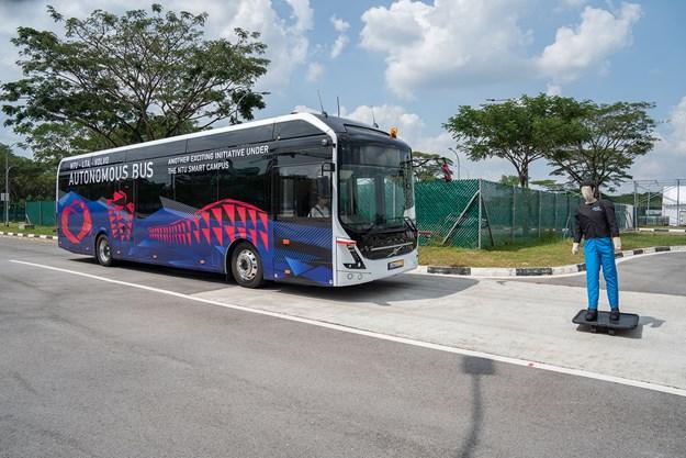 Autonomous bus_1 (2).jpg