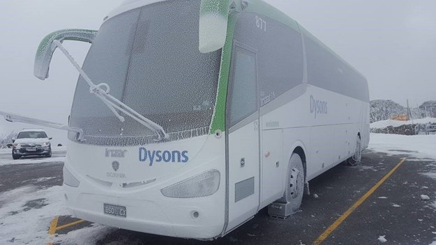 Bus 877 Snowx.jpg