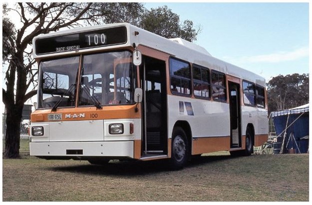 Bus3qocsMAN.JPG
