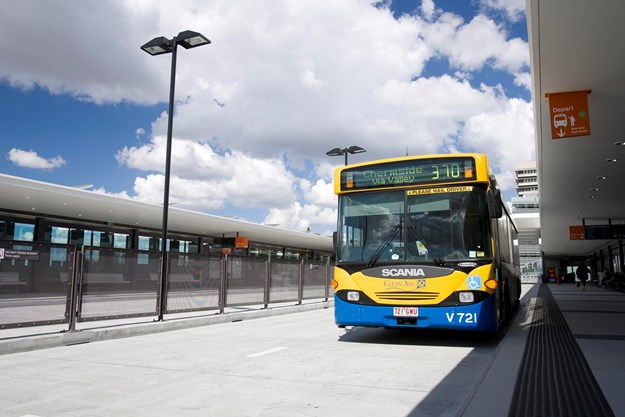 Bus at Royal Brisbane Women's Hospital busway station Bowen Hills Northern Busway.jpg
