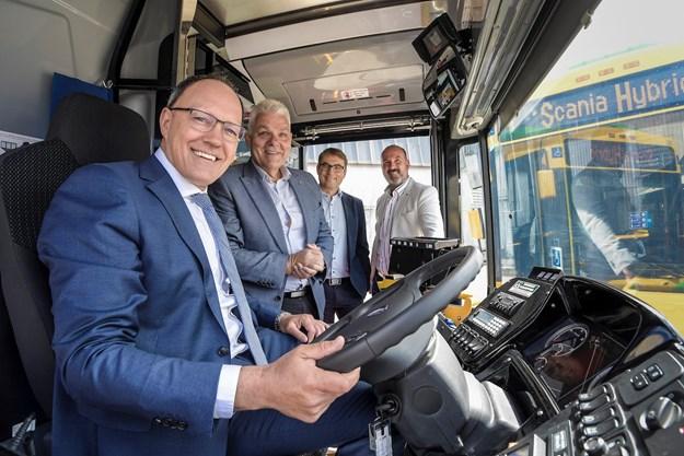 Scania Hybrid Handover for DIT Adelaide _DSC8155x.jpg