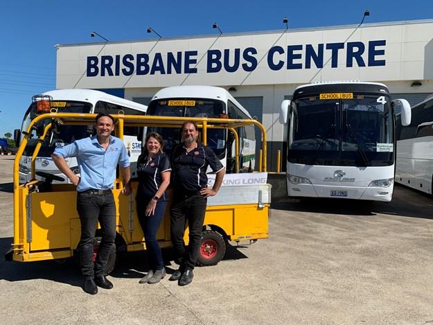 bus stop people.jpg