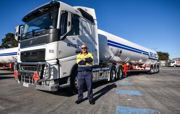Garry Anderson with his Volvo FM.jpg