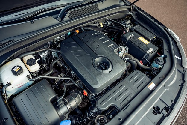 SsangYong_Musso_Unlimited_XLV_engine.jpg