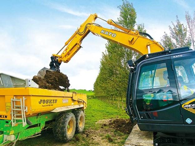 KATO-HD512-7-excavator-2.jpg