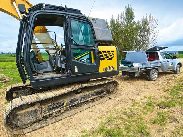 KATO-HD512-7-excavator-3.jpg