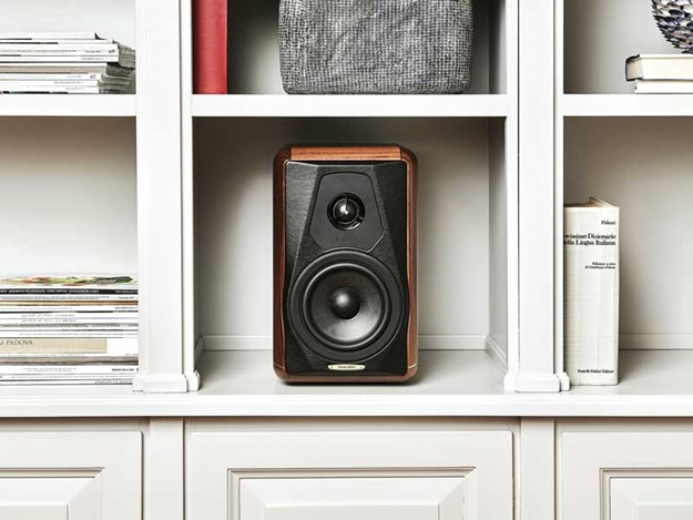 Sonus-Faber-Minima-Amator-II-Speakers-2.jpg