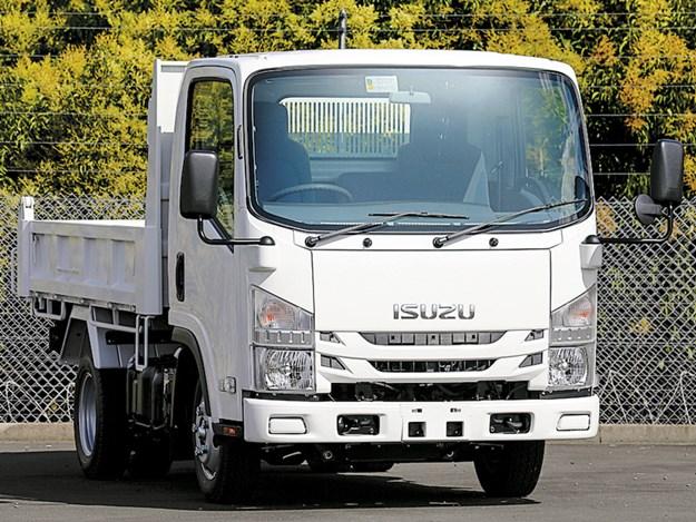 Isuzu050210-017.jpg