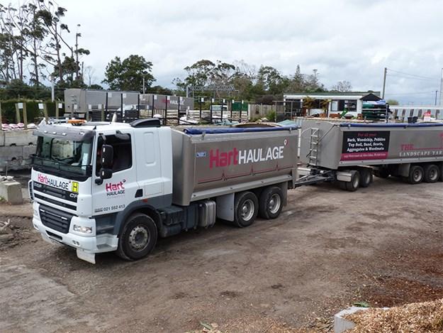 TThe 52-tonne H rated CF DAF leaving the yard