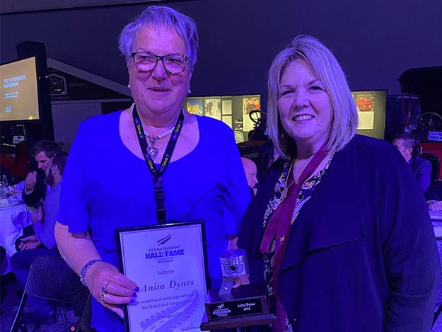 Meryn (right) with inductee Anita Dynes at the NZ Road Transport Hall of Fame event