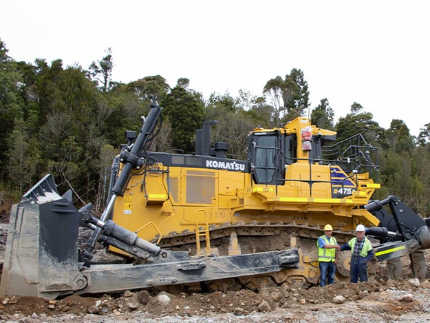 The Komatsu D475A-8 is one of the first delivered by the Japanese specialist in the southern hemisphere