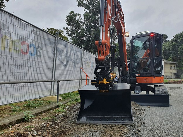 The 5.5-tonne Hitachi ZAXIS 55U fitted with a new engcon tiltrotator