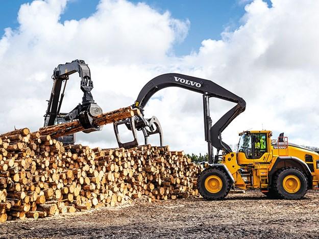 Juken-Volvo-excavators-3.jpg