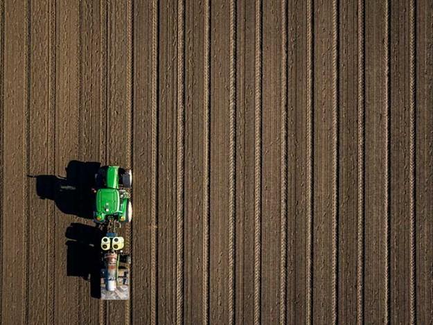 farm-trader-545299807.jpg