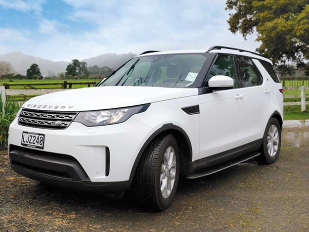 Land-Rover-Discovery-review-1.jpg