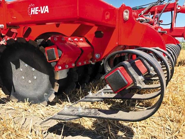 Serious-soil-mover---He-Va-Disc-Roller-XL-Contour_6.jpg
