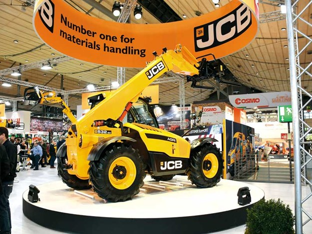 JCB-launch-new-agri-telescopic-handler.jpg