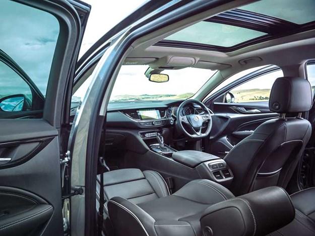 Holden-Commodore-3.jpg