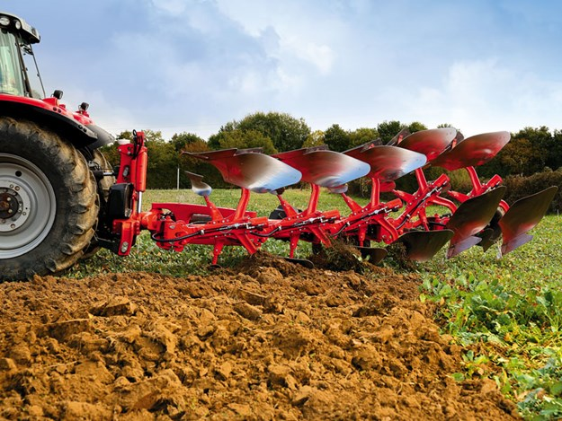 Vari-Master-L-On-Land-Smart-Ploughing_1.jpg