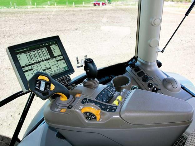 John-Deere-625R-review-cabin.jpg