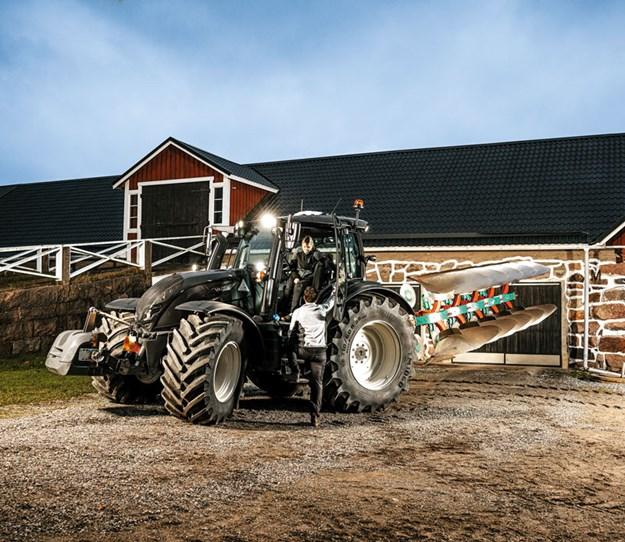 Valtra-N-T-Series-Tractors-3.jpg