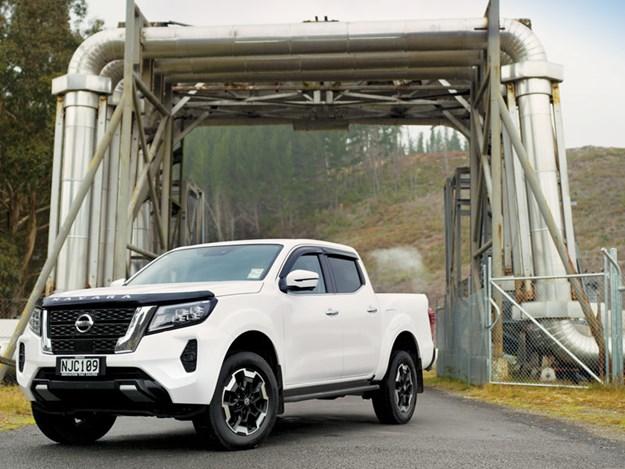 Nissan-Navara-2021-1.jpg
