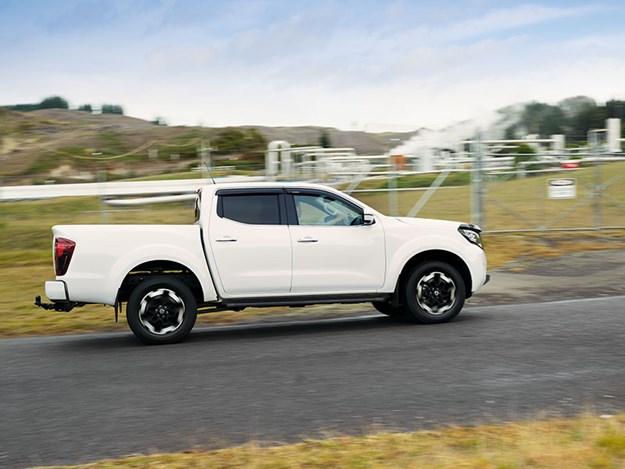 Nissan-Navara-2021-3.jpg