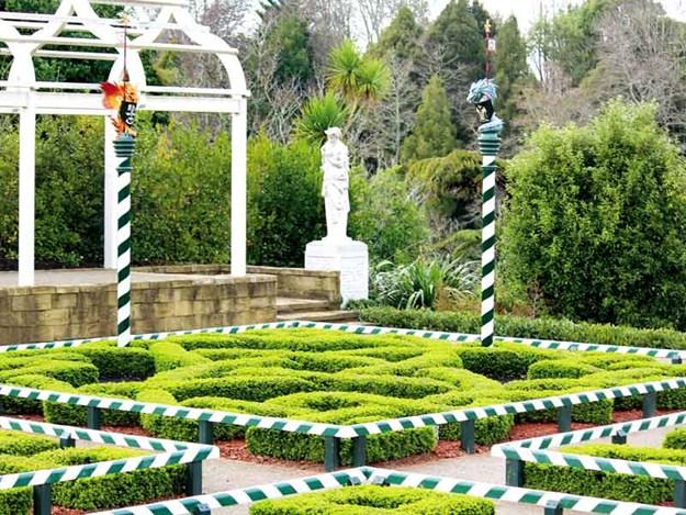 The-Tudor-Garden.jpg