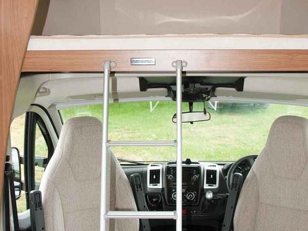 Overcab-Auto-tral-Imala-7518.jpg