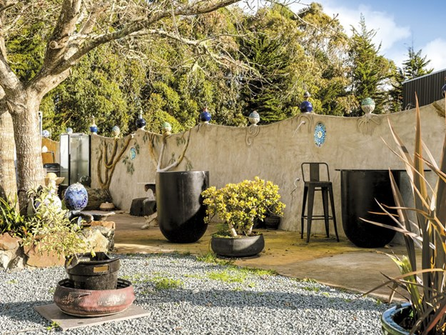 0767-Part-of-the-rear-outdoor-courtyard-which-is-a-popular-space-in-summer.jpg