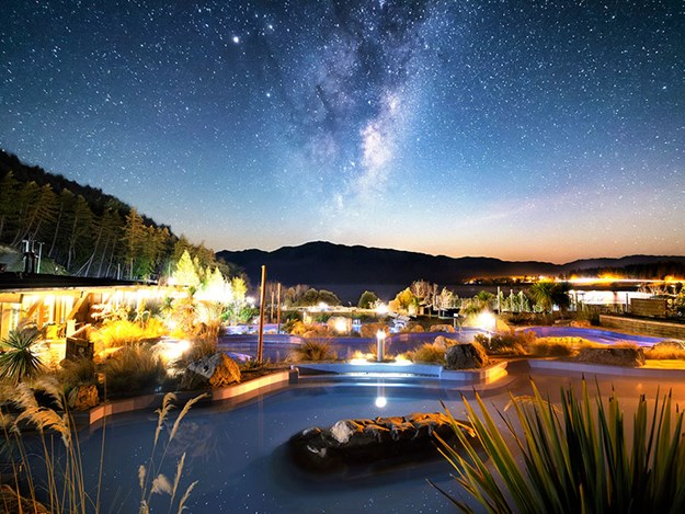 Tekapo-star-gazing-A-stunning-display-of-stars-and-constellations-light-up-the-night-sky.jpg