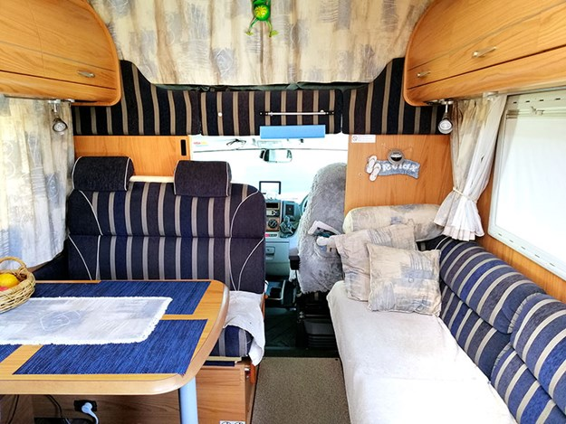 Life-on-the-Road-Lynne-and-Bill-The-comfortable-lounge-area.jpg