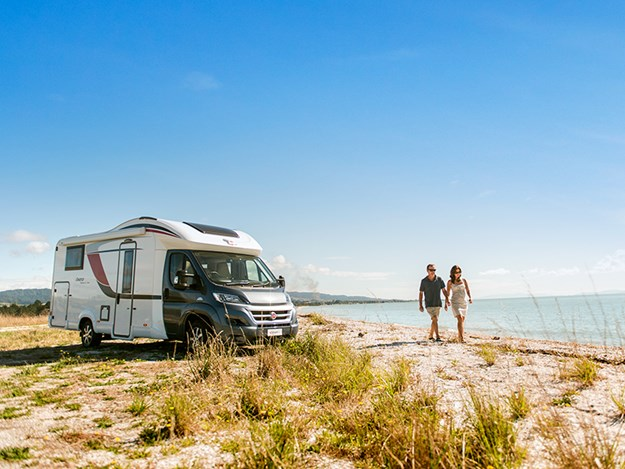 10 tips for buying an rv Copy of _KES6923 Ixeo Time IT726G.jpg