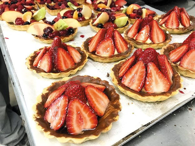 Paris Cafe Amberley Strawberry Tarts