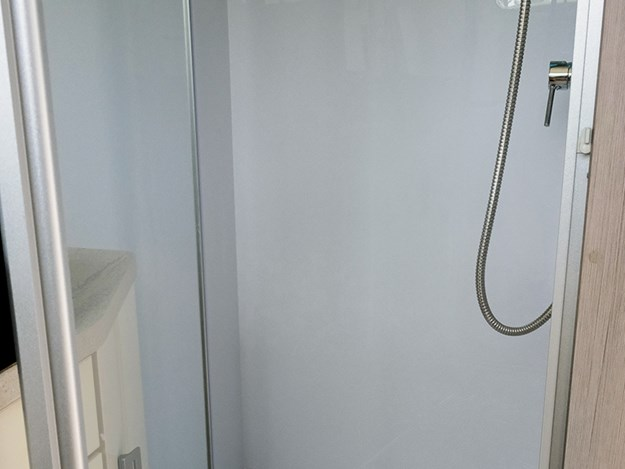 A decent sized shower takes advantage of the Nautilus continuous hot water supply