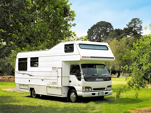 A an early 2000 model TrailLite motorohome.jpg
