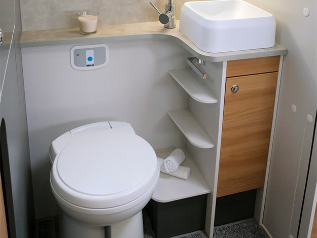 Bailey Adamo bathroom
