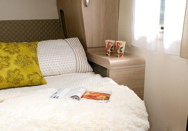 Rapido bedroom shelves