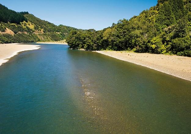 Motu river east cape width=