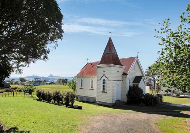 Whelan_16 Te Kopuru Church with Maungaraho Rock on the horizon.jpg