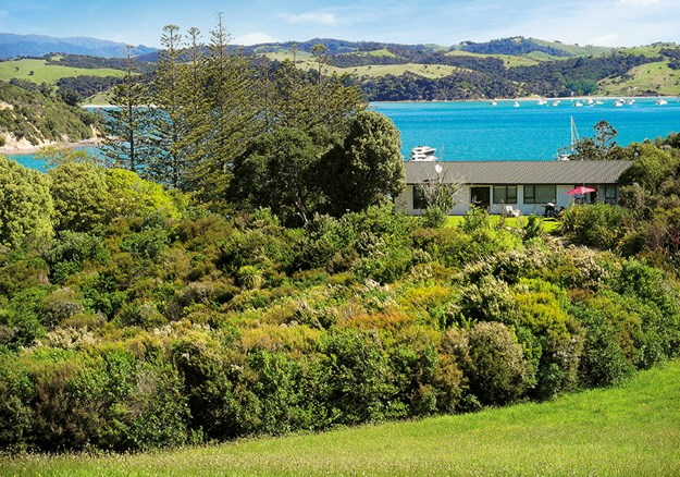 One of the holiday homes on Rotoroa Island.jpg