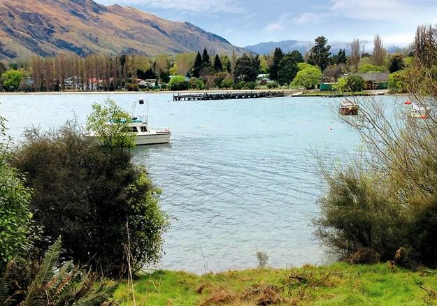 Kingston and Lake Wakatipu from Te Kere Haka Trail.jpg
