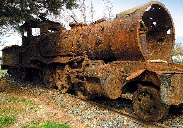 One of the locomotives displayed in Lumsden, fished from the Oreti River.jpg