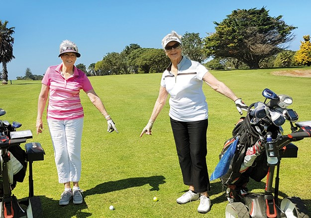 Raewyn and Marilyn  Catlow take their motorhomes to golf clubs all around the country.jpg